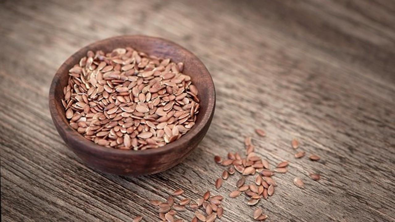 Keten tohumu zayıflatır mı? Günlük ne kadar tüketilir? Faydaları nelerdir?