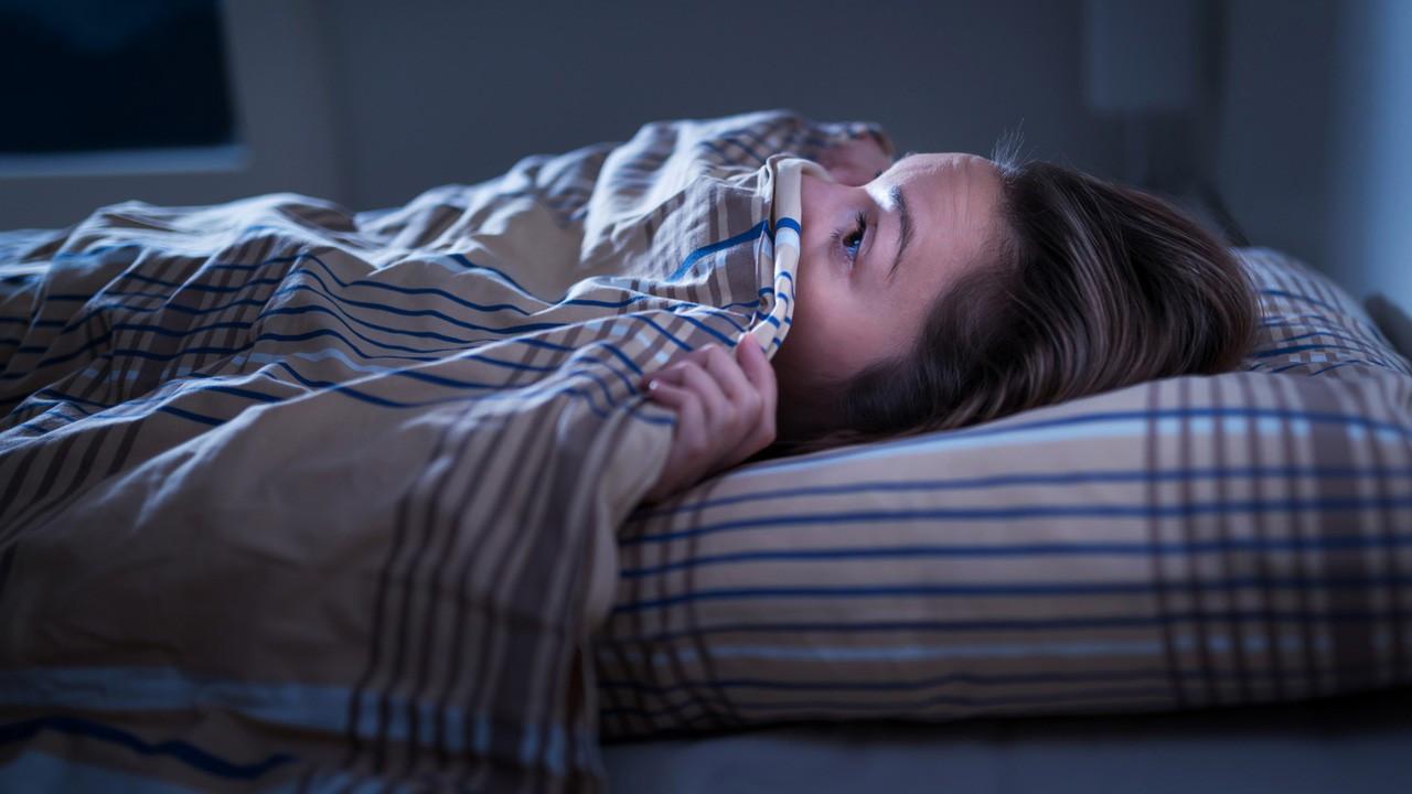 Karabasan nedir, neden olur? Uykuda kıpırdayamama neden olur?