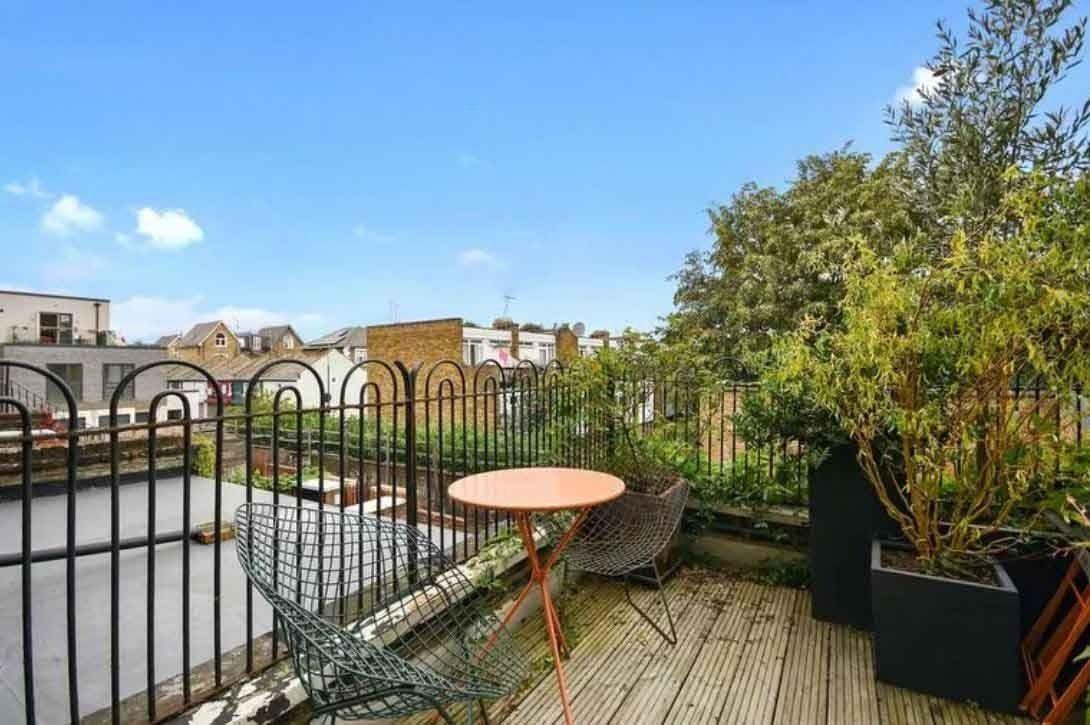 Londra'nın en dar evi satışa çıktı! Neden çok pahalı? İşte evden detaylar... - Sayfa 3