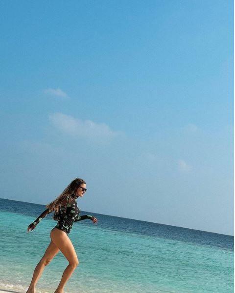 Serenay Sarıkaya Maldivler'e bakın kiminle gitmiş? - Sayfa 1