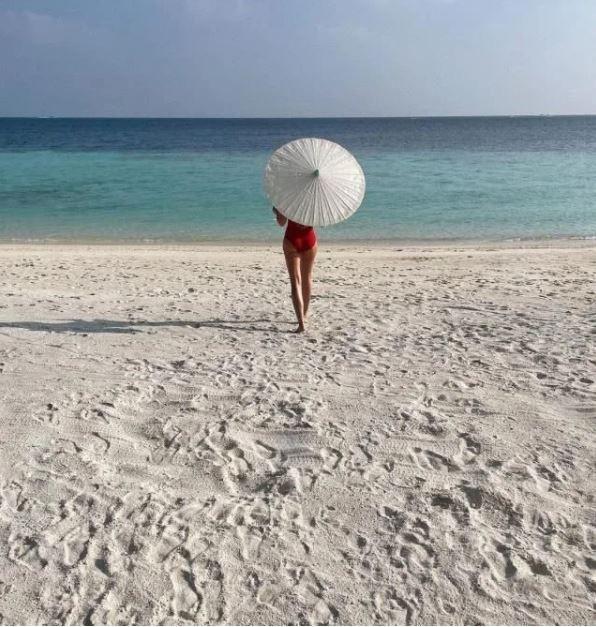 Serenay Sarıkaya Maldivler'e bakın kiminle gitmiş? - Sayfa 2