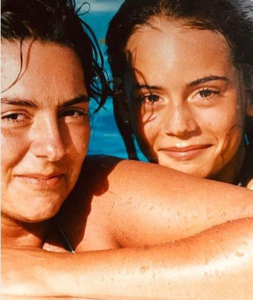 Kırmızı Oda'da Alya karakterine hayat vermişti: İşte Melisa Sözen'in çocukluk fotoğrafı - Sayfa 2