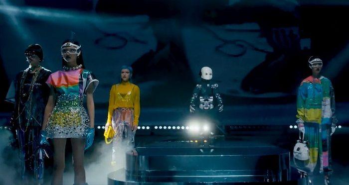 Dolce Gabbana çıtayı yükseltiyor: Yapay zekâ ile defile - Sayfa 1