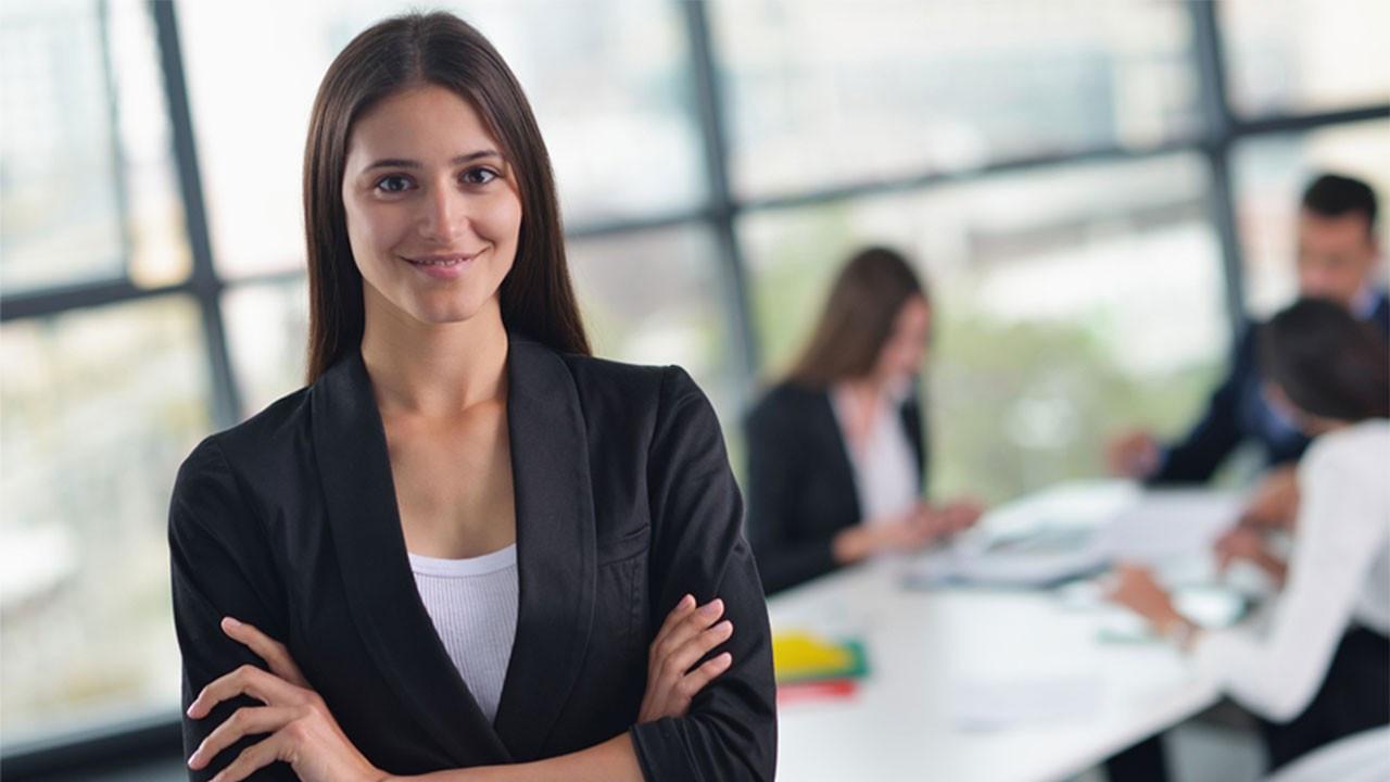 Çalışan kadın 2021 yazına hazır