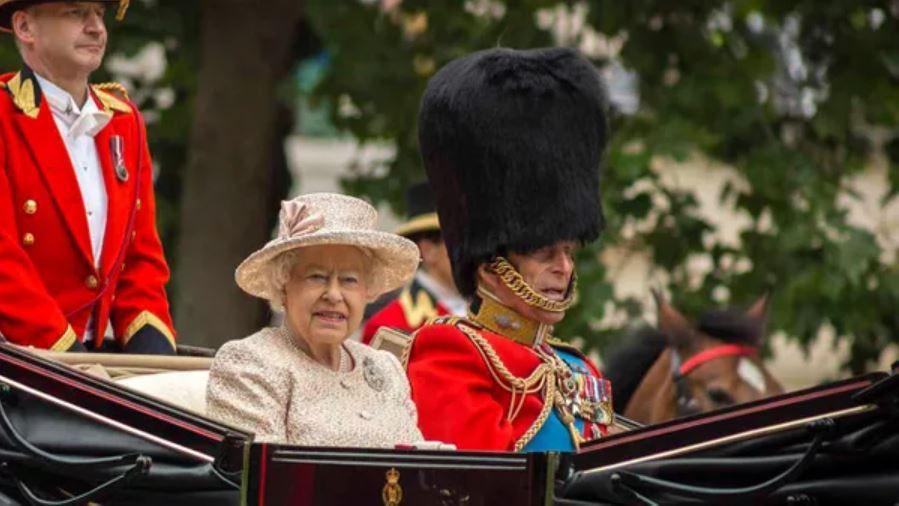 Prens Harry cenazeye katılıyor, Meghan Markle katılamıyor - Sayfa 2