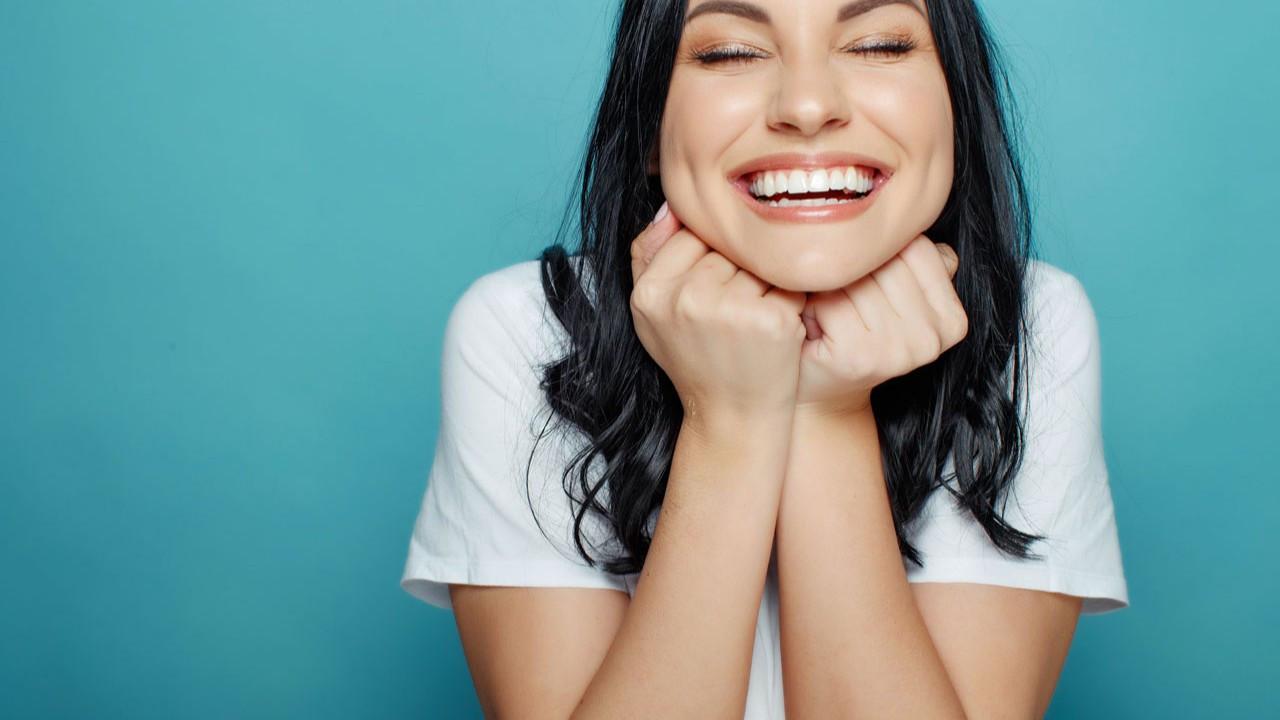 İnanılmaz mutlu olmanın bilimsel olarak kanıtlanmış 10 yolu