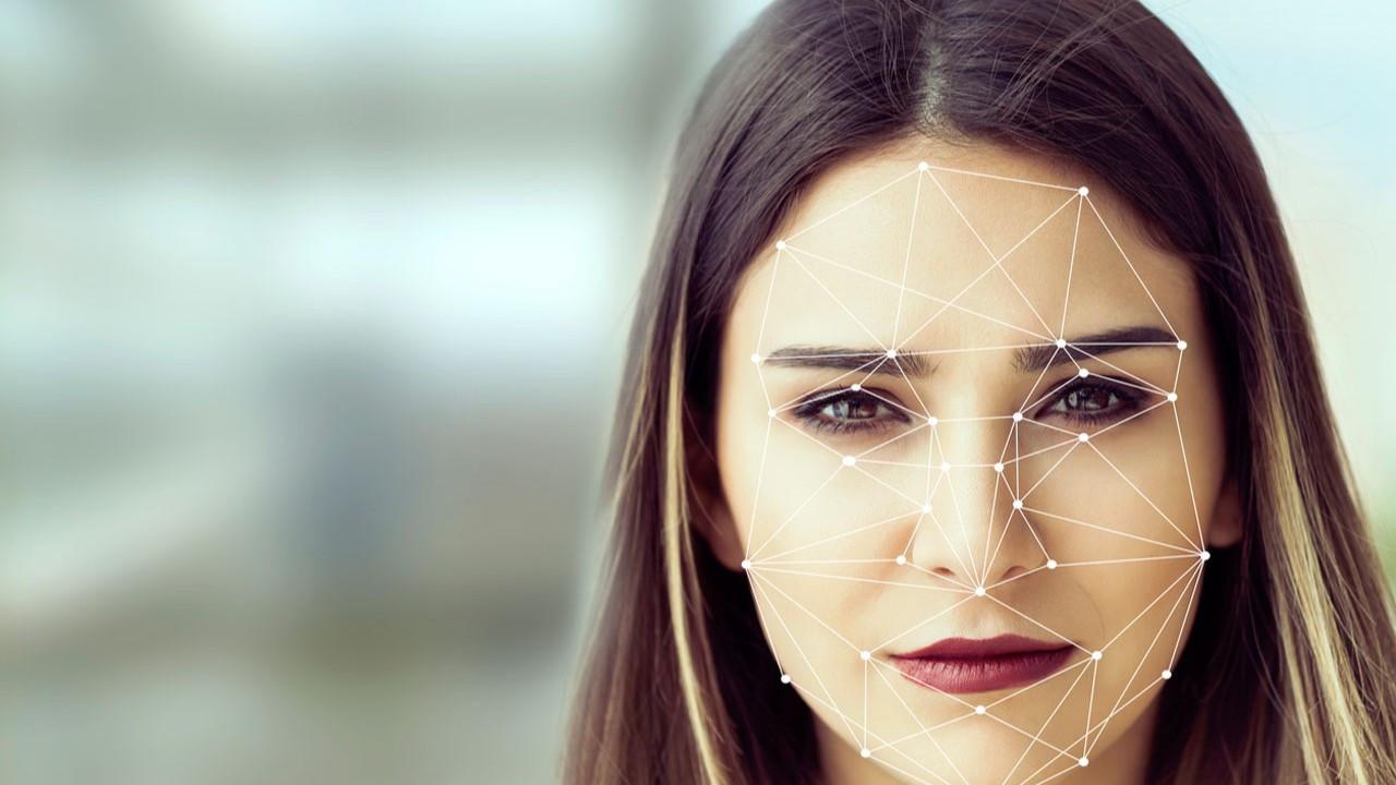 Sizin yüz şekliniz hangisi? İşte yüz şekli belirleme rehberi