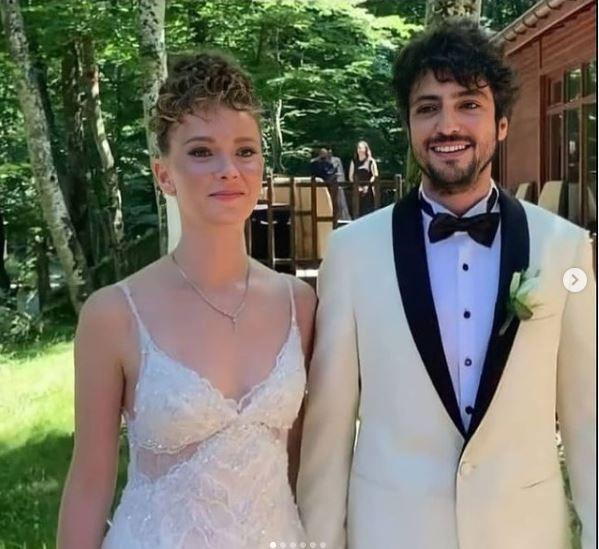 Taner Ölmez ile Ece Çeşmioğlu evlendi! İşte ilk görüntüler... - Sayfa 1
