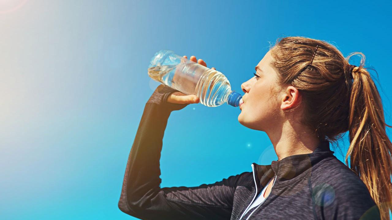Su içmenin kilo vermenize yardımcı olmasının 6 nedeni