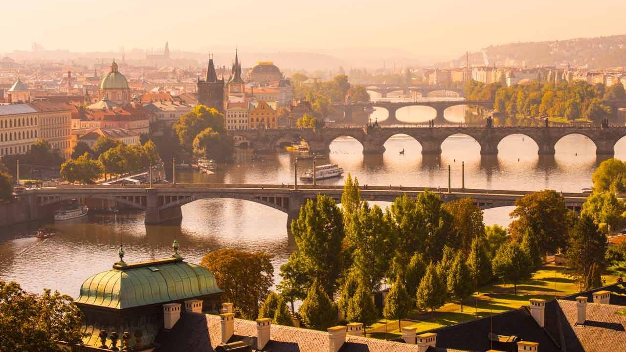 Rotanızı Avrupa'ya çevirin: Prag'da dört masal gün...