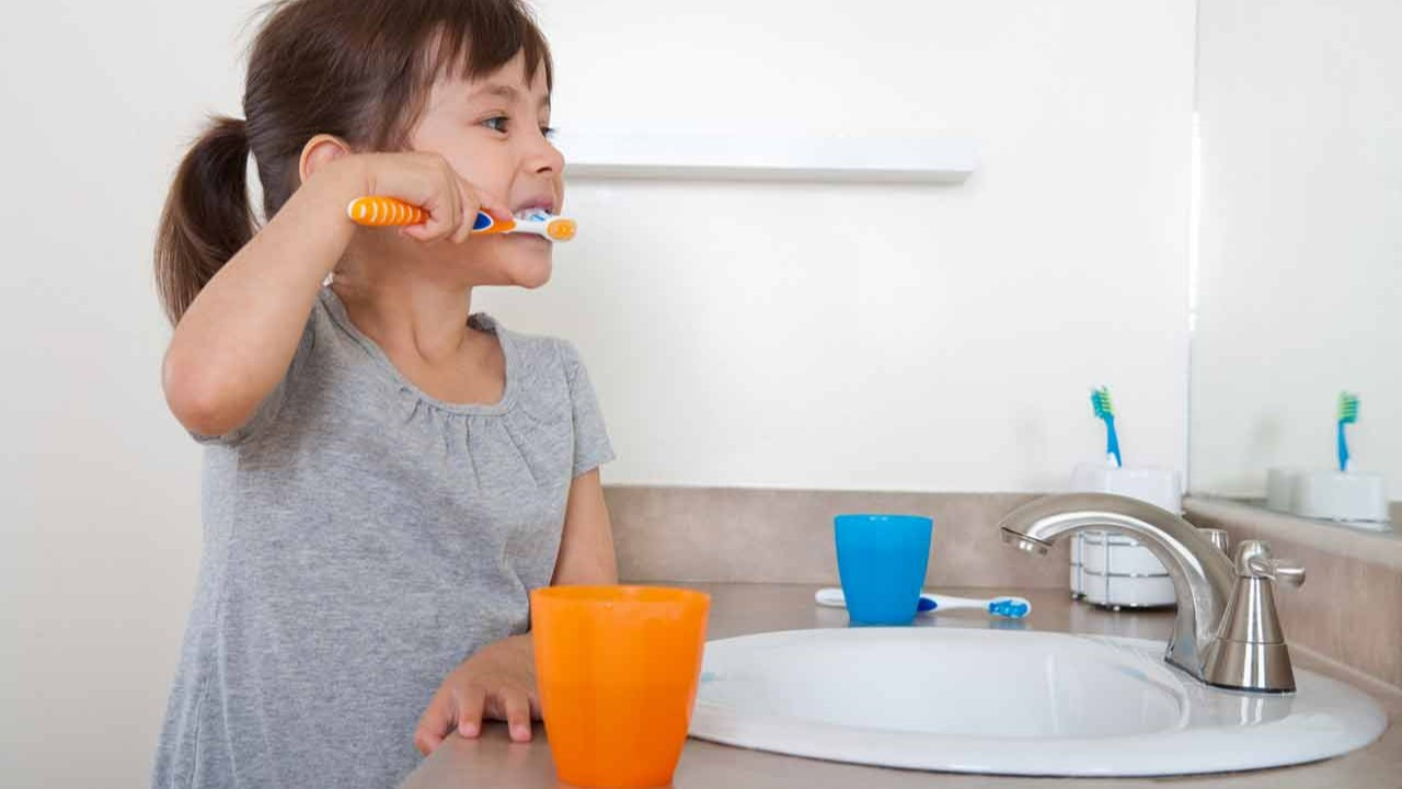Çocuklarda diş fırçalama alışkanlığı nasıl geliştirilir?