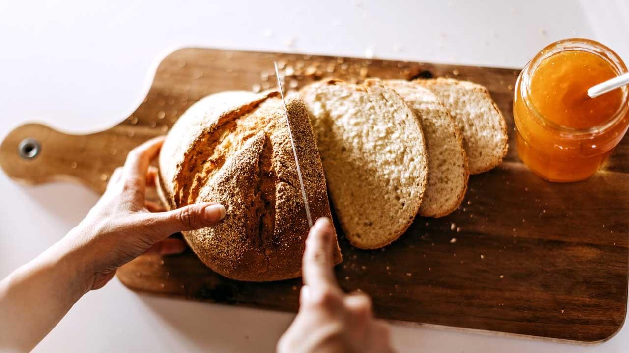 Uzun süre bayatlamayan ev ekmeği tarifi hazır...
