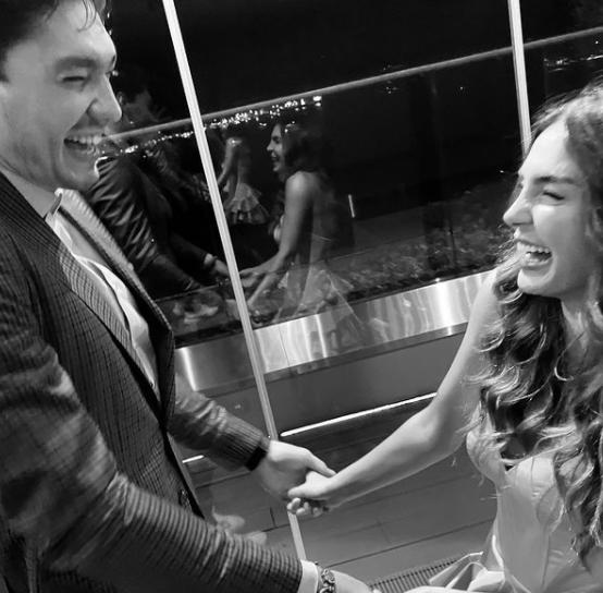 Hercai dizisinin oyuncuları evlendi: Ebru Şahin ve Cedi Osman kına gecesinde - Sayfa 1