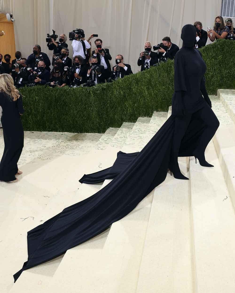 Kim Kardashian yine ön planda! Met Gala 2021'den en çarpıcı 6 görünüm - Sayfa 3
