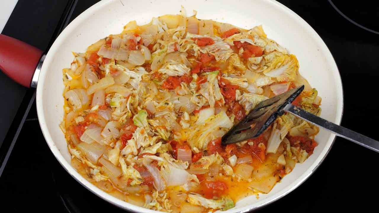 Lahana turşusu yemeği nasıl yapılır?