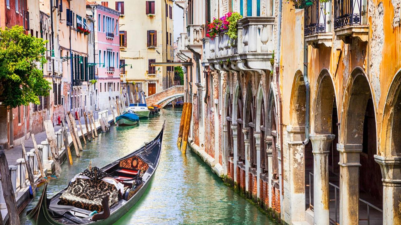 Venedik'te renkli ve masalsı yolculuk: Torcello, Murano ve Burano