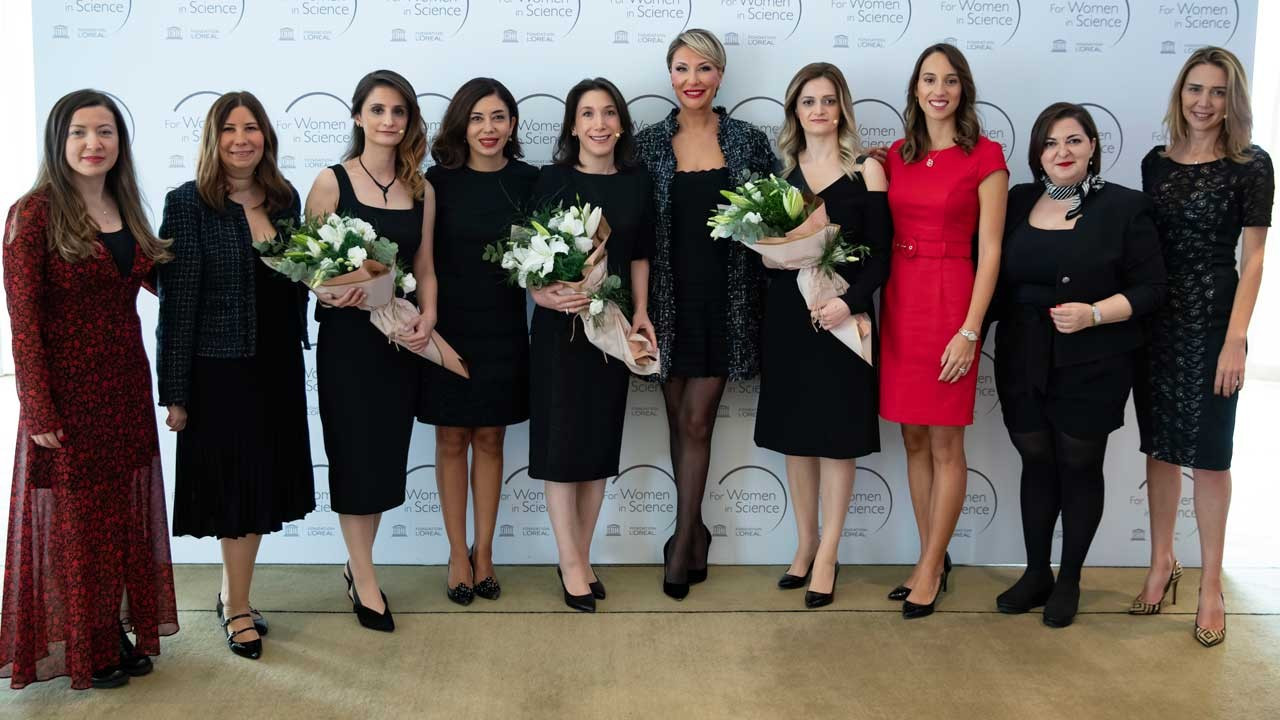 'Bilim Kadınları İçin' programında ödüller sahiplerini buldu