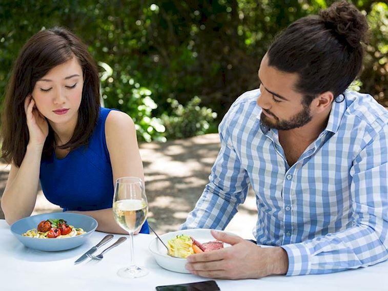 Partneriniz sizi fazla kilolarınızla eleştirirse ne tepki verirsiniz?