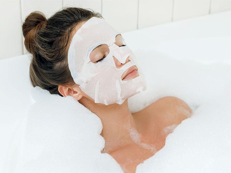 Yüz bakımını kolaylaştıran kağıt maskeler