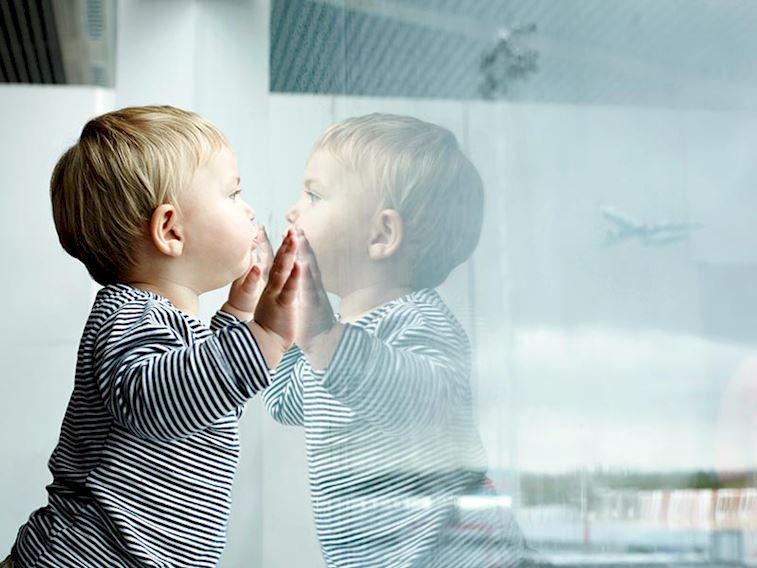 Bebekle ve çocukla uçak yolculuğunun püf noktaları