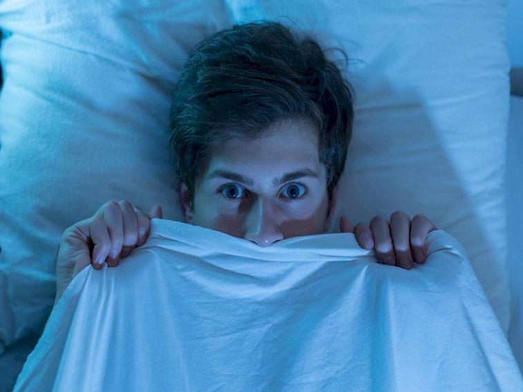 Rüyada düşmek, diş dökülmesi neden olur? İşte bilimsel açıklaması...