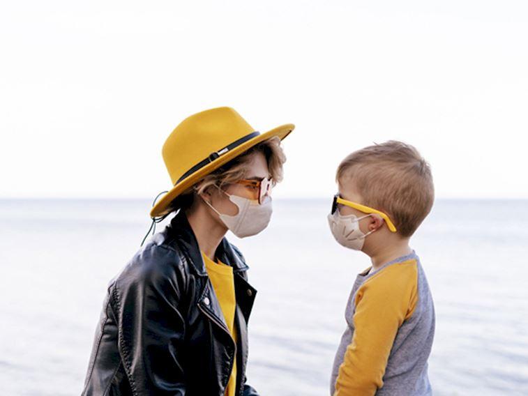 Çocuklarınızı maske takma konusunda nasıl bilinçlendirebilirsiniz?