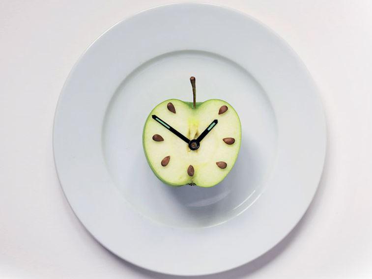 Aralıklı oruç (IF diyeti) nedir, nasıl yapılır? Kimler yapmamalı?