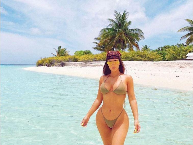 Kim Kardashian 40 yaşını özel bir adada kutladı