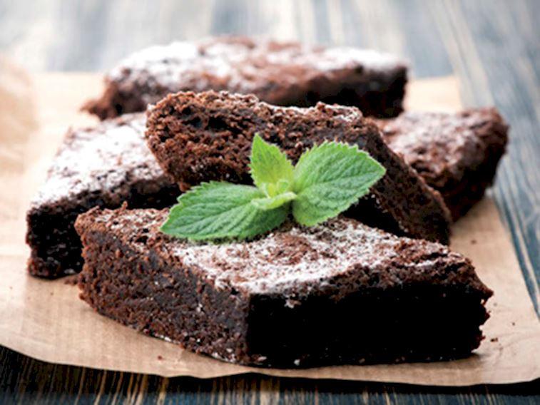 3 malzemeli şekersiz brownie