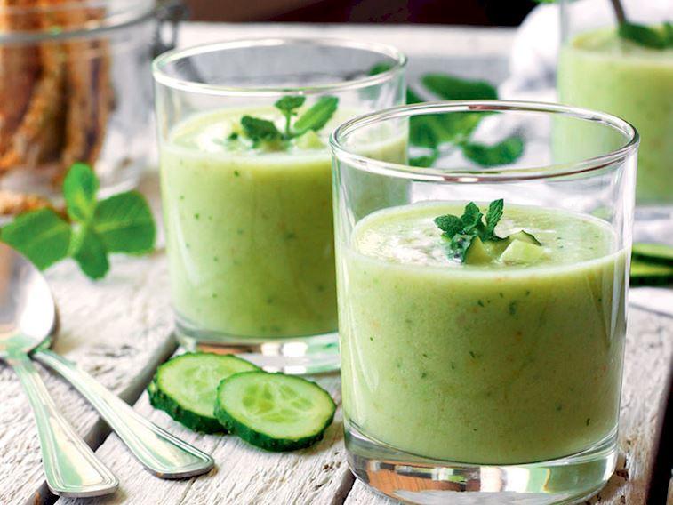 Soğuk avokado çorbası
