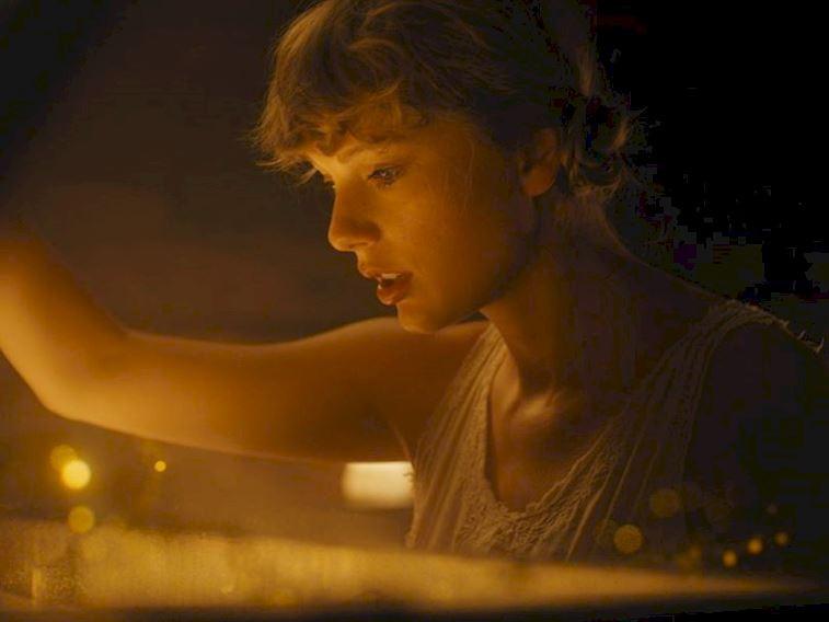 Taylor Swift 2020'nin ilk satış rekorunu kırdı