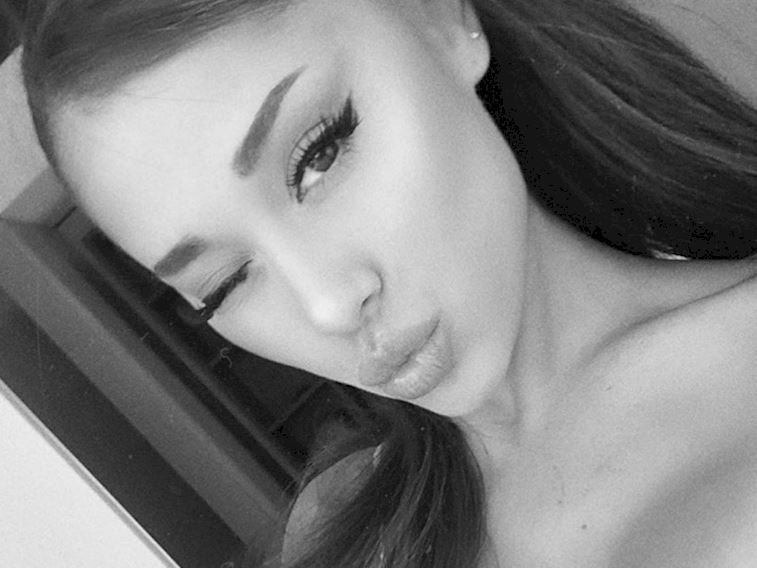 Ariana Grande kendini başkan ilan etti