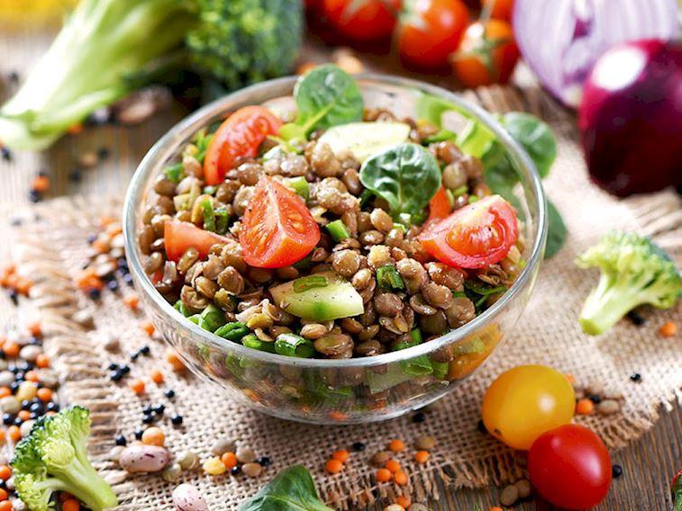 Proteinli yeşillik salatası