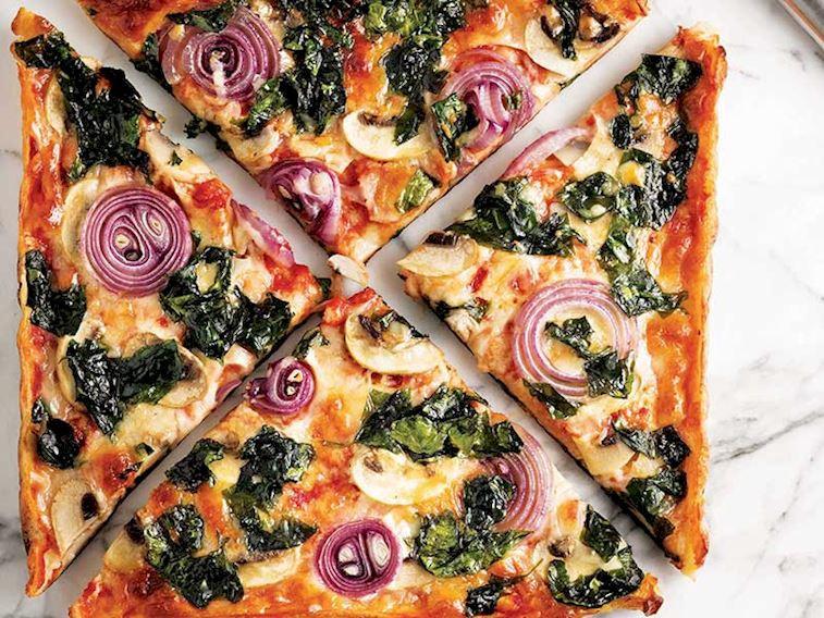 Hafta sonlarının vazgeçilmezi: Tavada pratik pizza