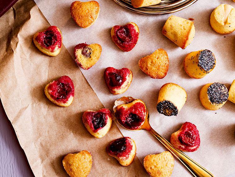 Vişneli mini kekler