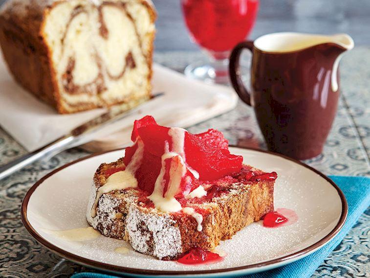 Vanilyalı kremalı ve ayva tatlılı kek