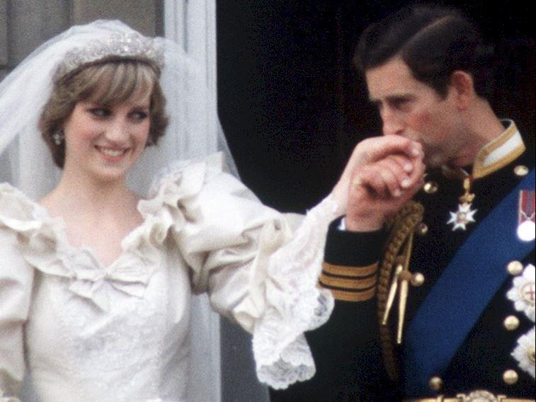 The Crown'da Prenses Diana ve Prens Charles'ın düğünü neden yok?